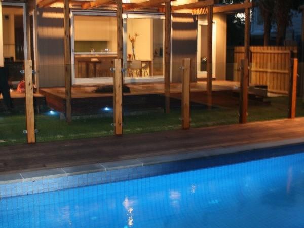 ozone_rd_pool_night